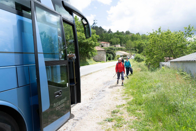Begleitbus für Pilger auf Wanderreise